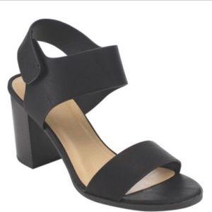 Soda Heels Women's 8 Black Block Velcro Sandal